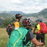 Grande Traversée VTT Les Chemins du Soleil - Arrivée sur le village de Draix - VTT Alpes de Haute-Provence
