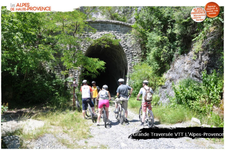 grande_traversee_vtt_alpes_provence_aventure_famille2